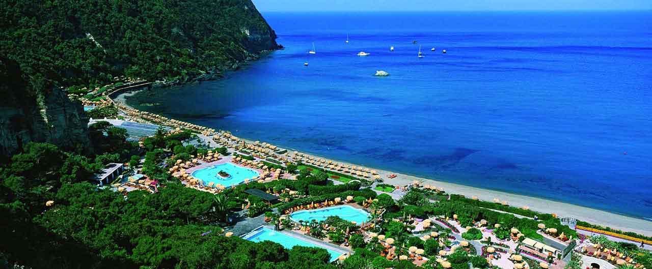 I parchi termali di Ischia rappresentano degli autentici angoli di paradiso sul mare, luoghi ideali di relax