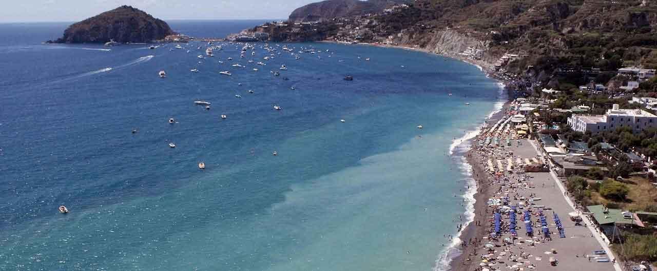 spiaggia dei maronti a ischia