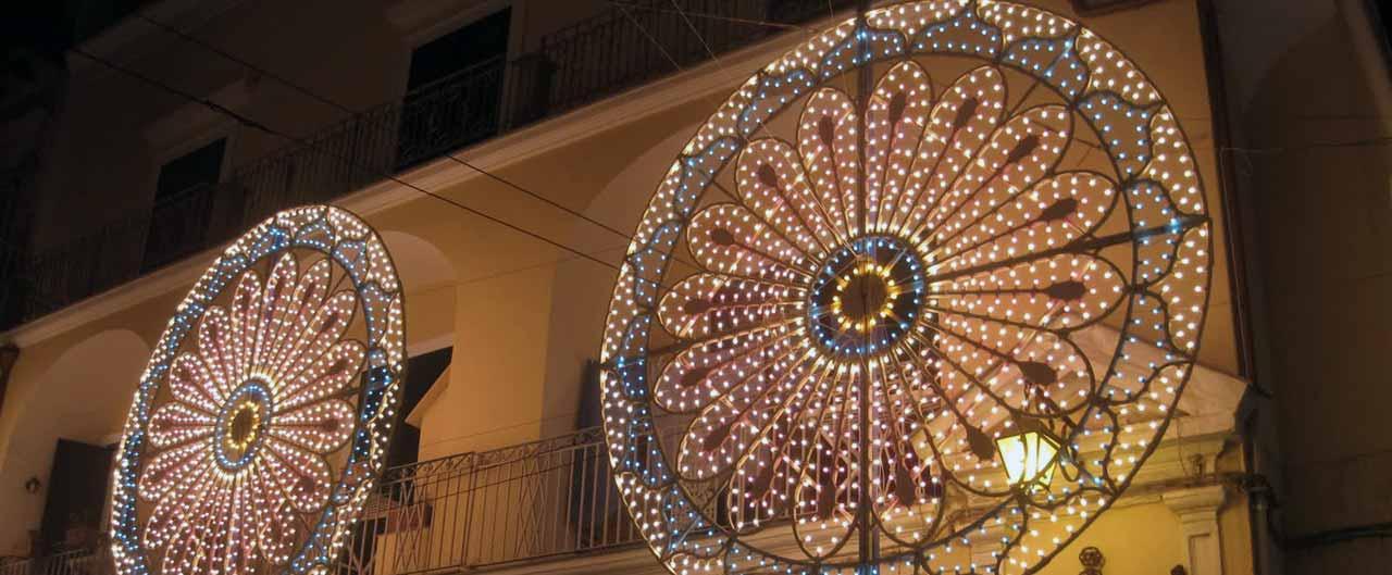 luminarie della festa di San Giovanni a Ischia